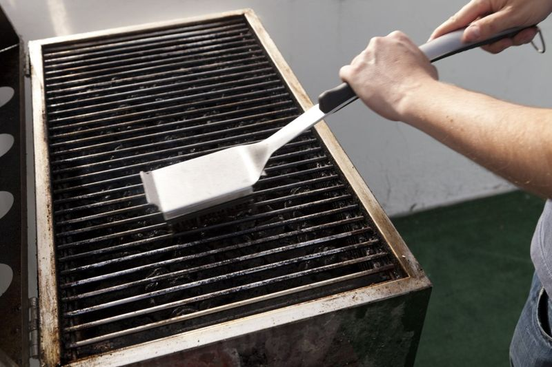 grate cleaning excess debris