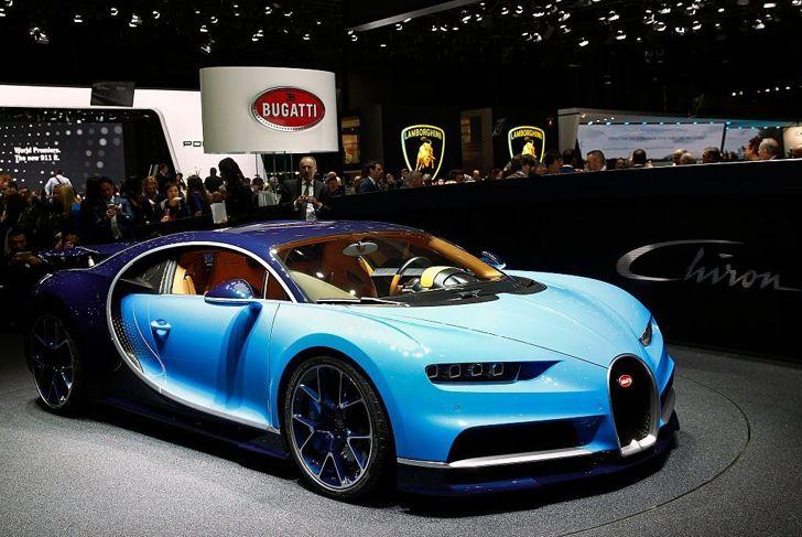 Bugatti Chiron automobiles