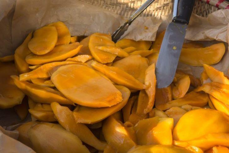 easy mangoes cut