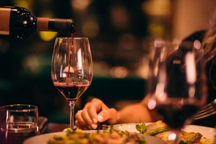 formal dinner setting rules