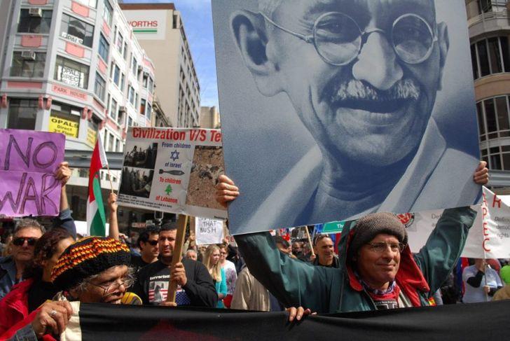 Mahatma Gandhi political prisoner