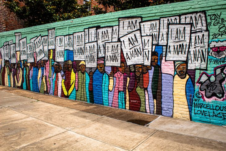"A mural of the ""I Am a Man"" protest that took place in Memphis, TN, during the Civil Rights Movement."