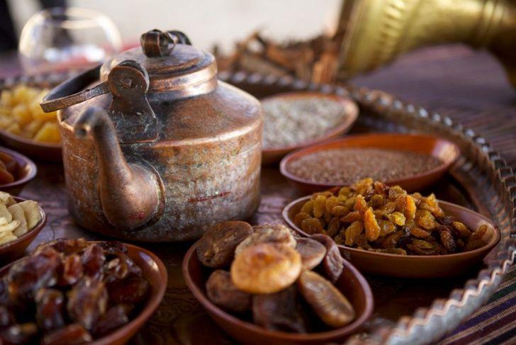 bedouin tea dried fruit