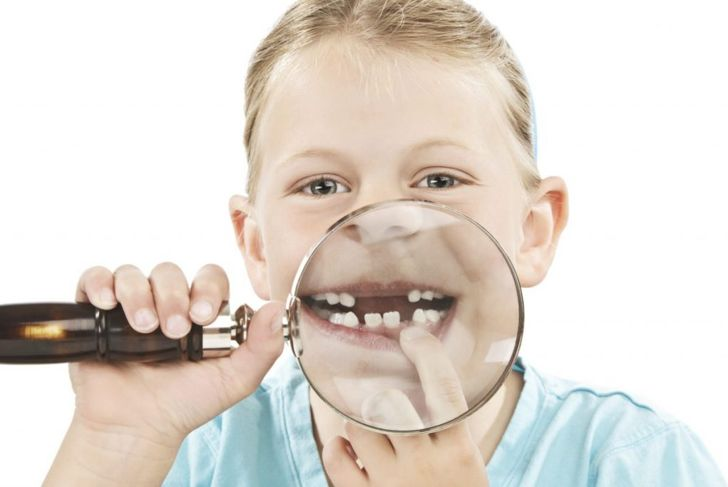 kid missing teeth