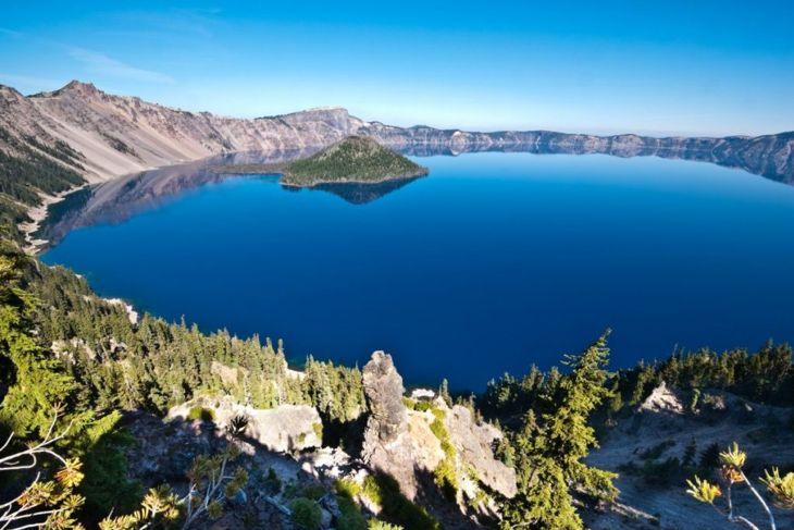 crater lake US deepest volcano