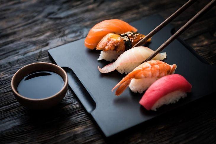 nigiri sushi make home rice fish food