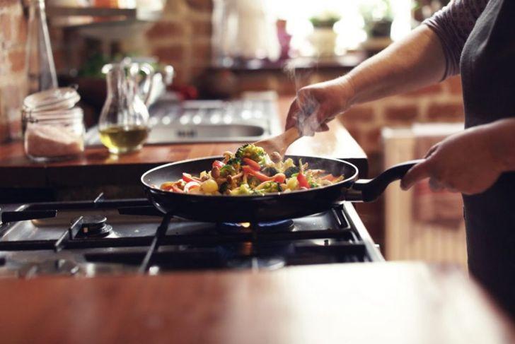 fry oil stir-fry cabbage