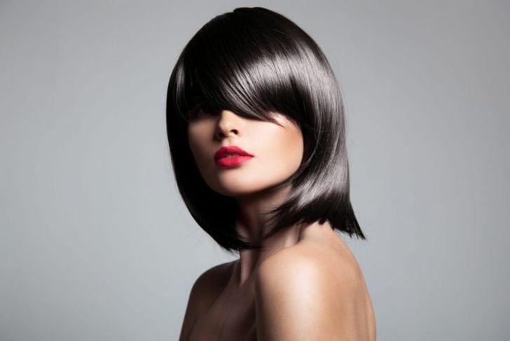 shoulder length hair side bangs