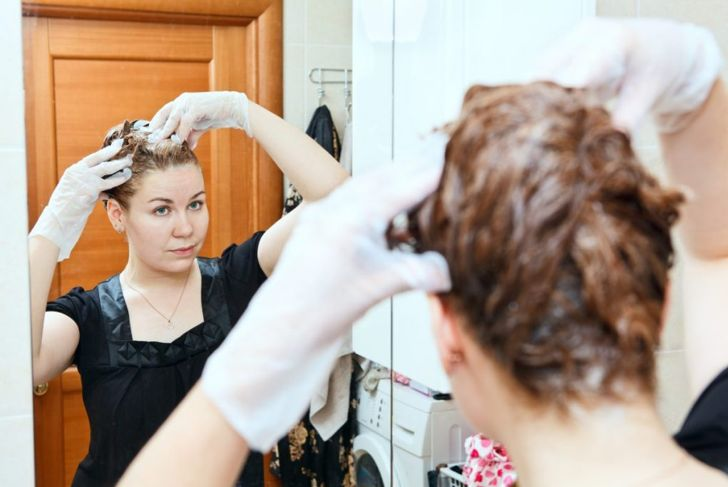 prevent hair dye stain skin