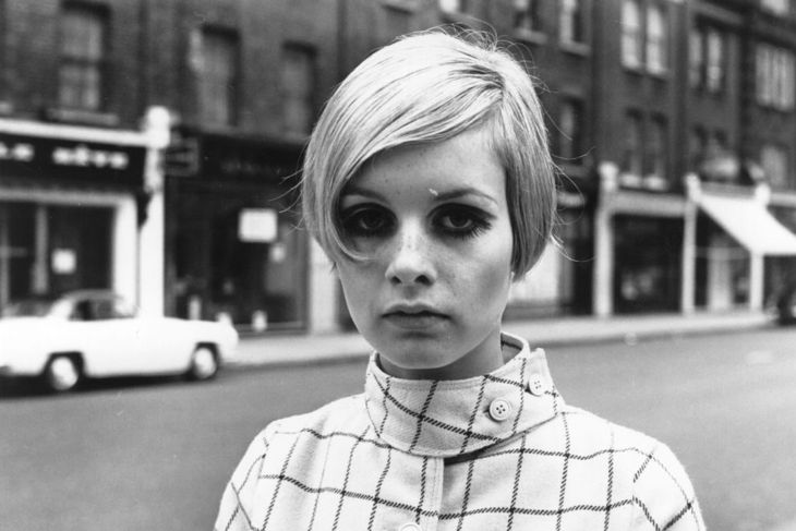 English model Twiggy, originally Lesley Hornby, in a London street.