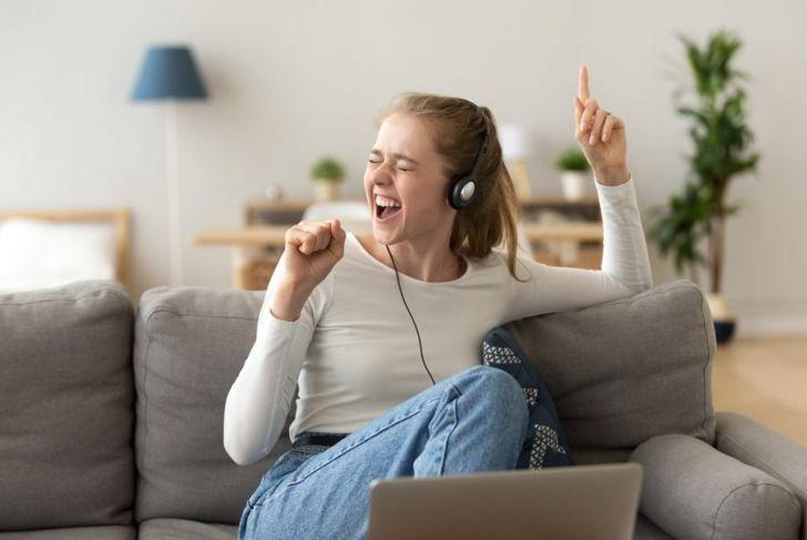 internet youtube singer performer