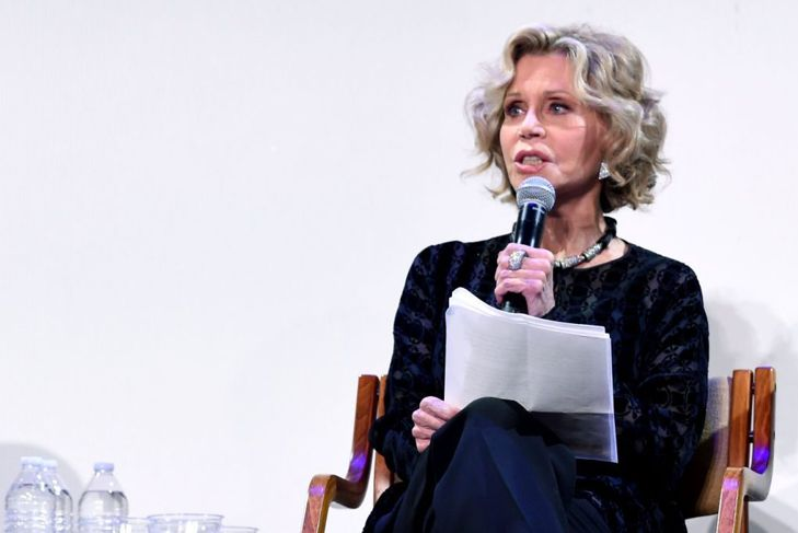 Jane Fonda 50's Pin-up Hairstyle