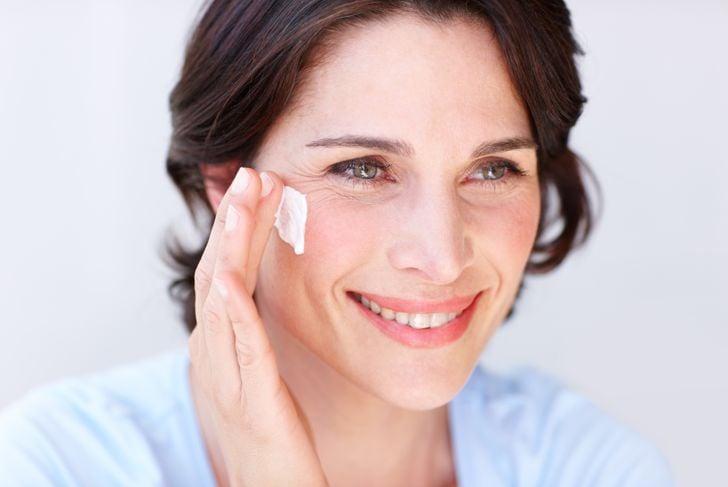 skincare routine moisturize