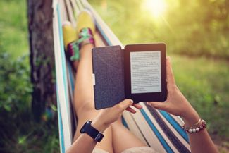 What are the Pros and Cons of an e-Reader?