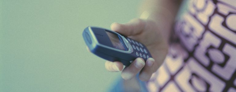 What is the History of the Cellphone?