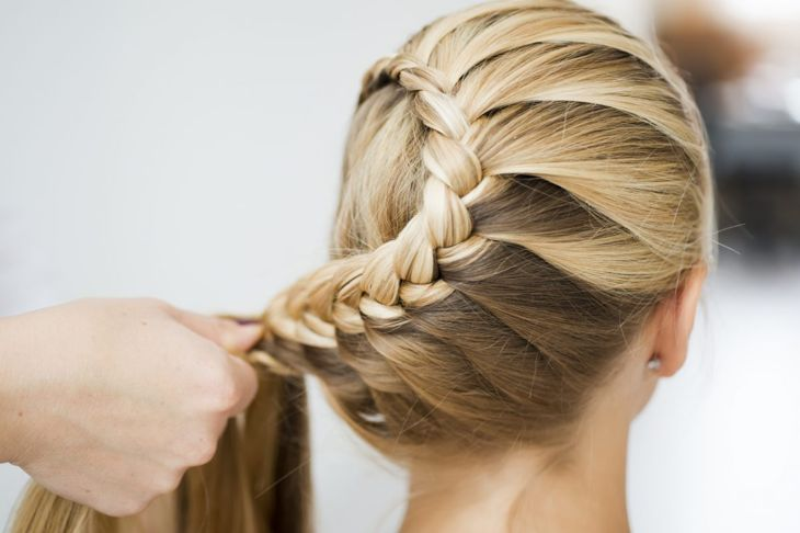 Wow them at your next occasion with this gorgeous curving braid.