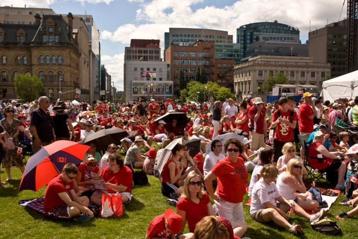 Crowds celebrate Canada Day