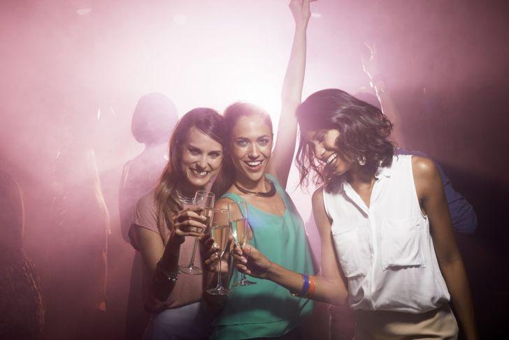 women party nightclub friends