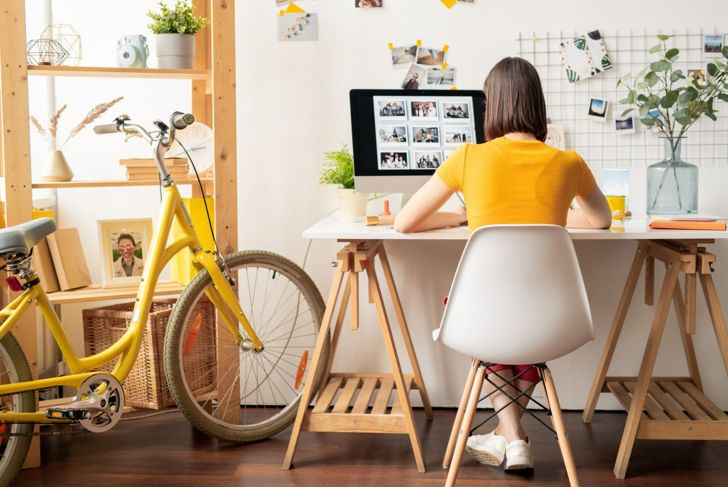freelancer in her home office