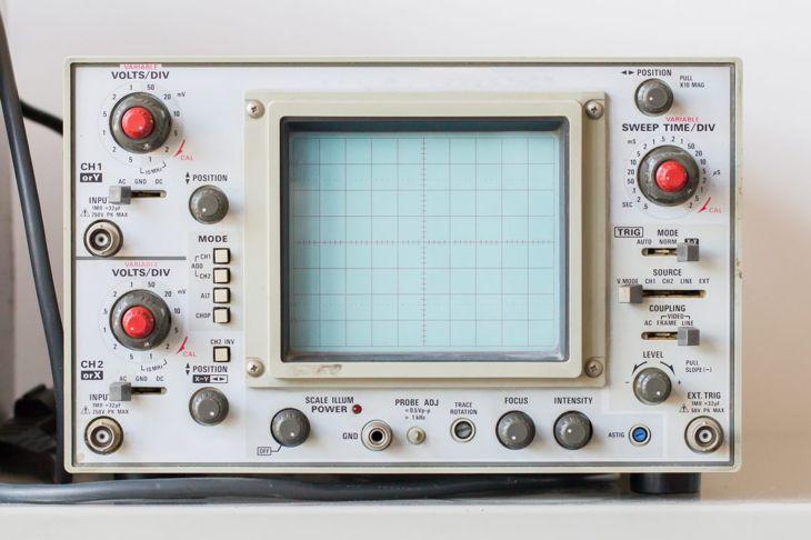Tennis sports oscilloscope analog