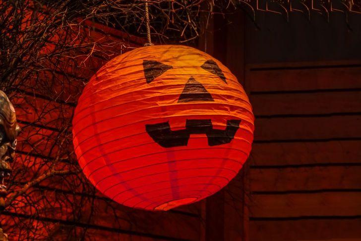 Pumpkin paper lanterns Halloween decoration