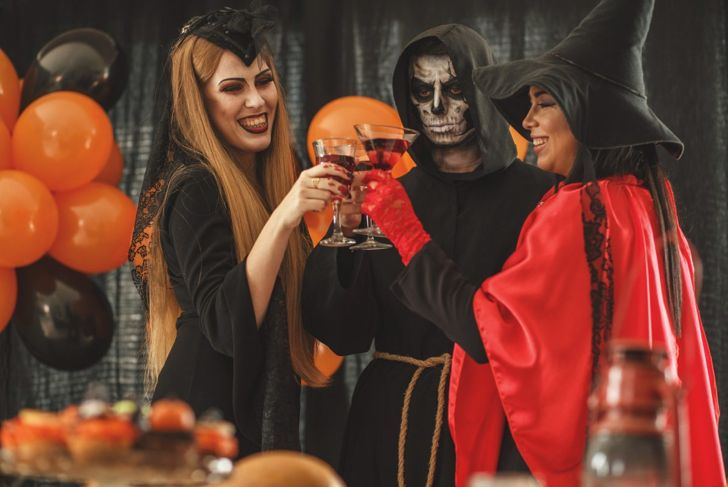 friends drinking halloween party