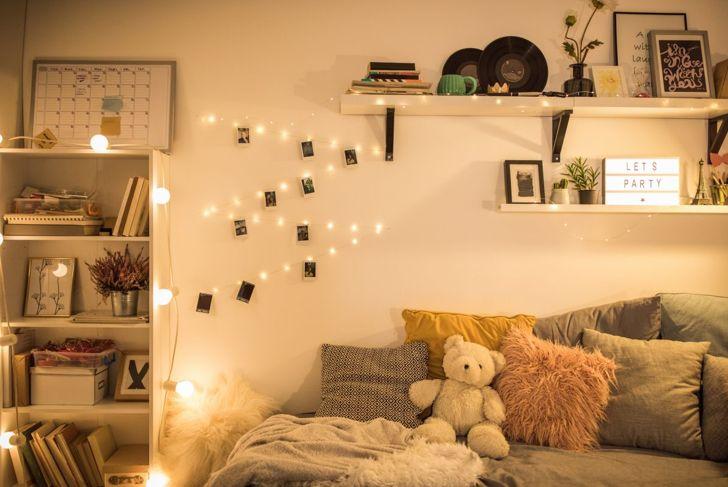 dorm room, artwork, photos