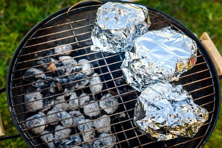 airtight aluminum foil smoke ribs