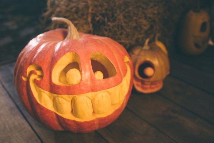 pumpkin teeth scraping