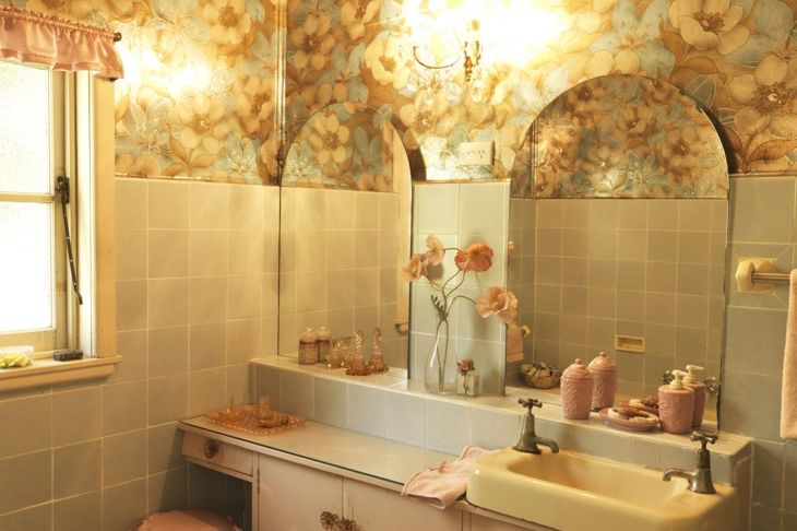 Curved bathroom mirrors