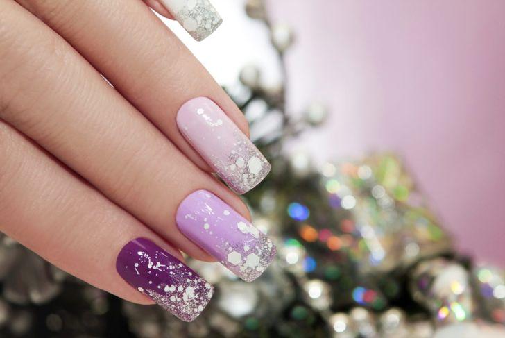 Elegant sparkle nail polish