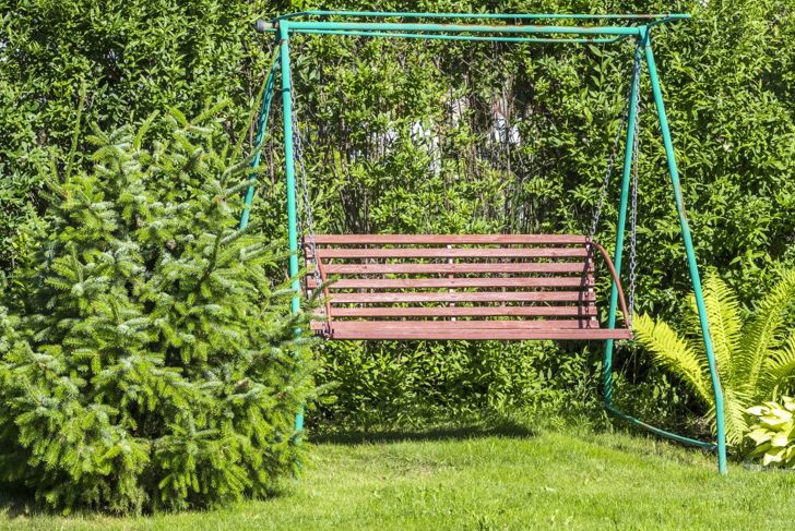 Switch swings for a bench