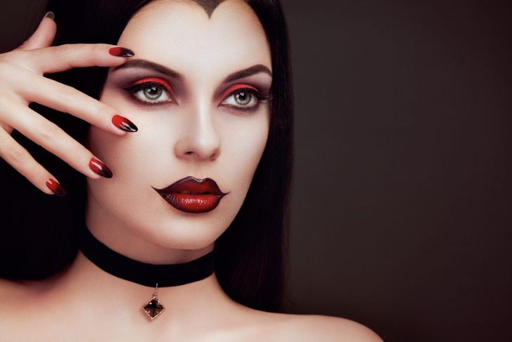 halloween red and black vampire nails
