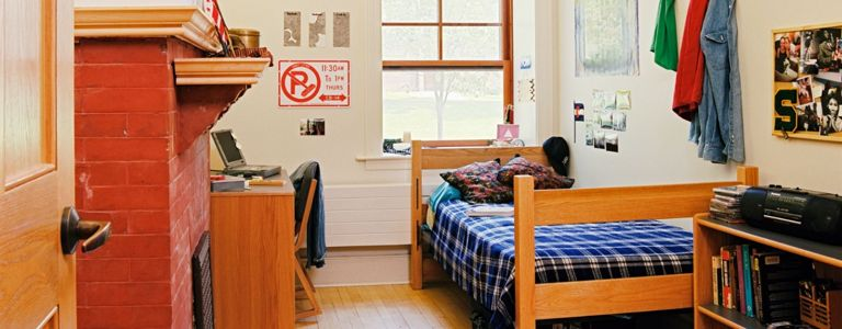 10 Easy Ways to Make Your Dorm Room Feel Like Home