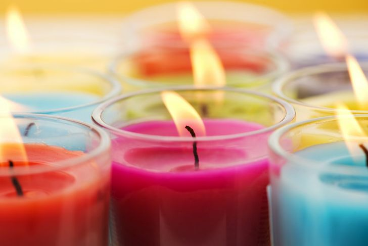 Several candles in different colors