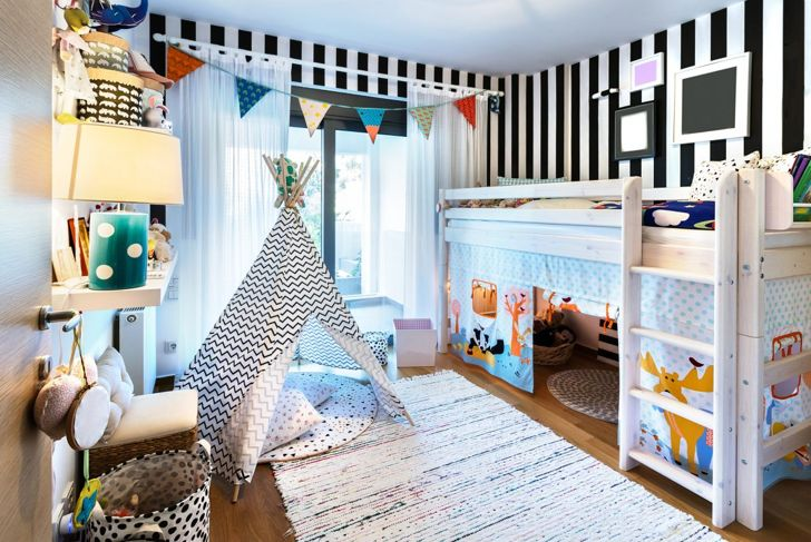 A child's bedroom doubles as a playroom