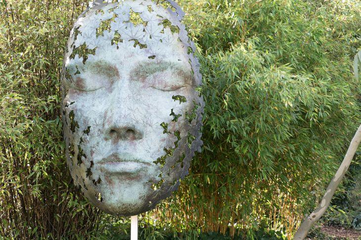 backyard garden sculpture