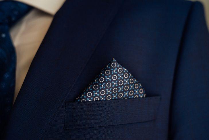 single peak pocket fold