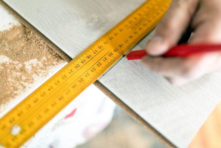 Metric measurements are in centimeters