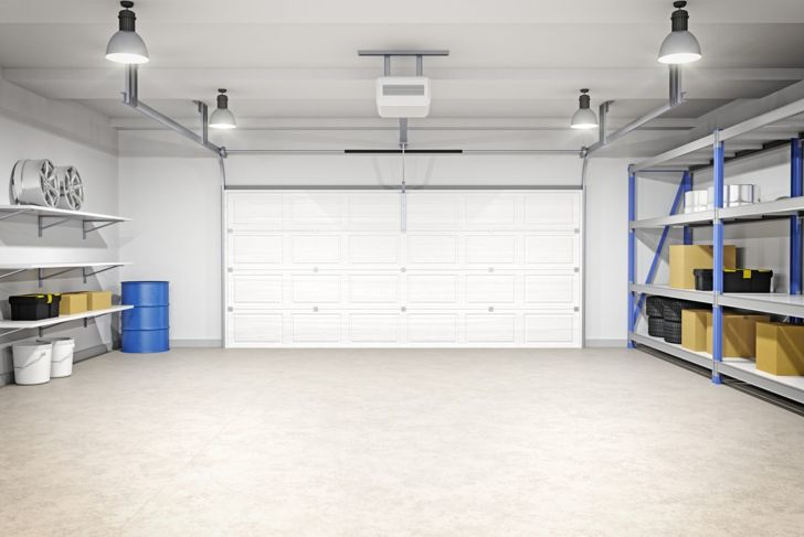 Home garage w/bay lights