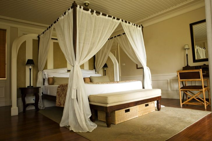 black and white canopy bed