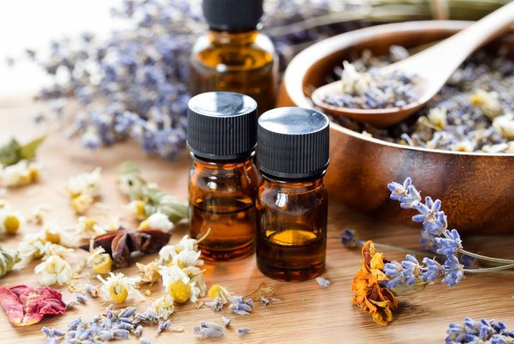 Lavender and chamomile create a potent floral scent.