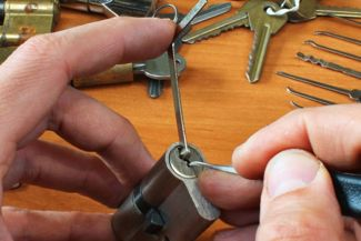 An Easy-Follow Guide To Lock Picking