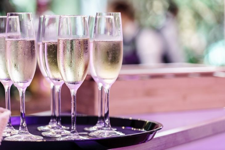 alcohol-free champagne