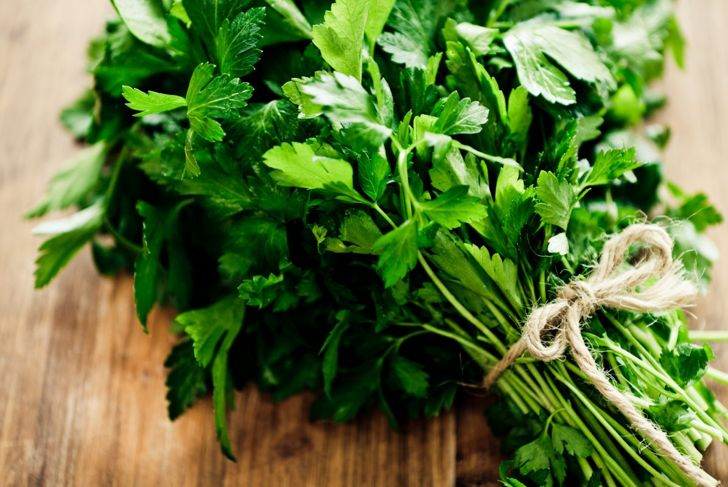 Propagate grocer market parsley bunches