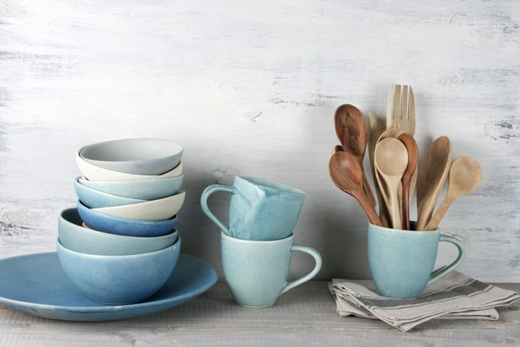 Toss old dishes and kitchenware.