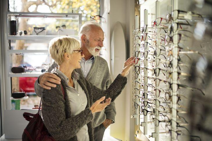 Picking shopping glasses
