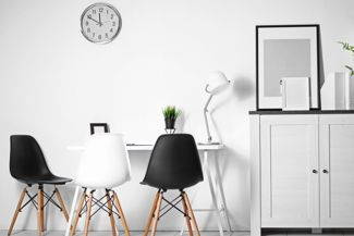 Get Inspired With Black and White Room Decor