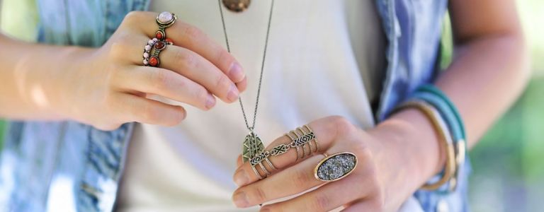 Trends, Tips, and Facts About Wearing Jewelry