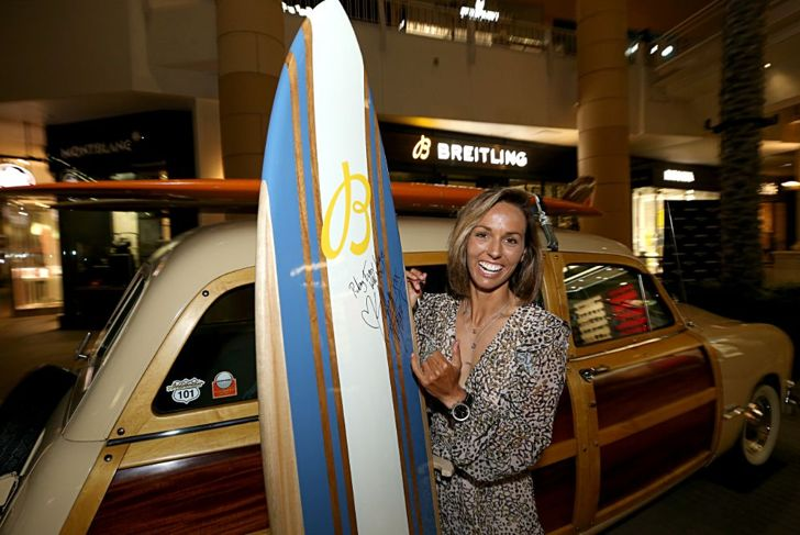 Sally Fitzgibbons surfer